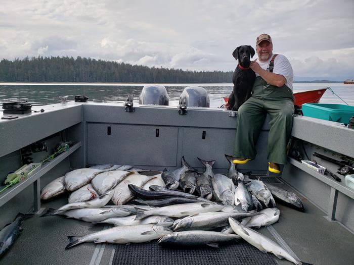 Rod_Fredrickson_black_dog-fishing